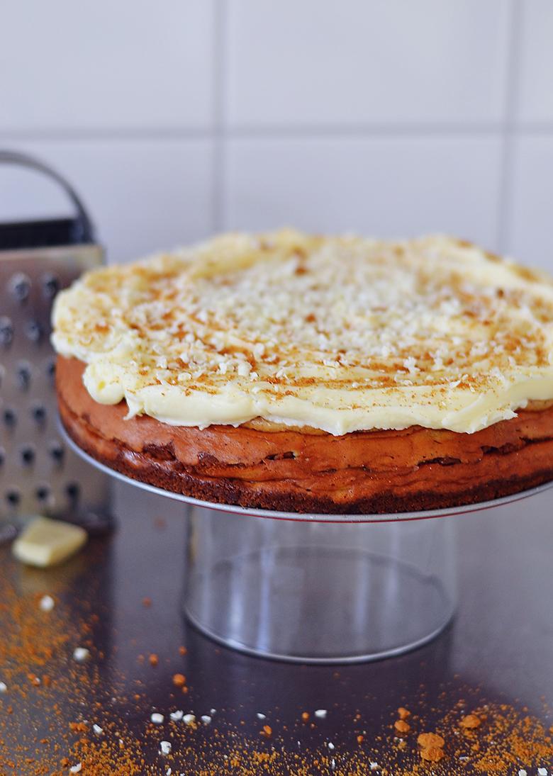 Gingerbread Cheesecake / BananaBloom.com
