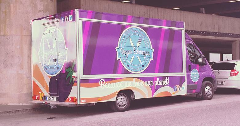 Vegan in Stockholm: Vegan Schmegan Food Truck // https://bananabloom.com #vegan #foodtruck #stockholm