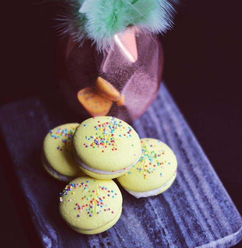 Vegan Macarons // BananaBloom.com #vegan #macarons #baking