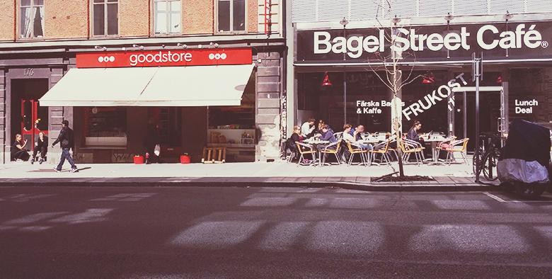Vegan in Stockholm: Vegan Cafés & Restaurants in Stockholm // https://bananabloom.com #vegan #stockholm