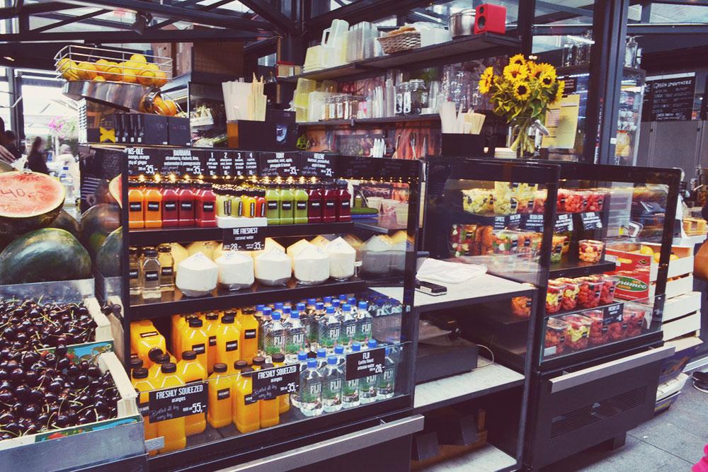 Fresh fruit and juice at Torvehallerne Copenhagen // http://BananaBloom.com #copenhagen #vegan #travel