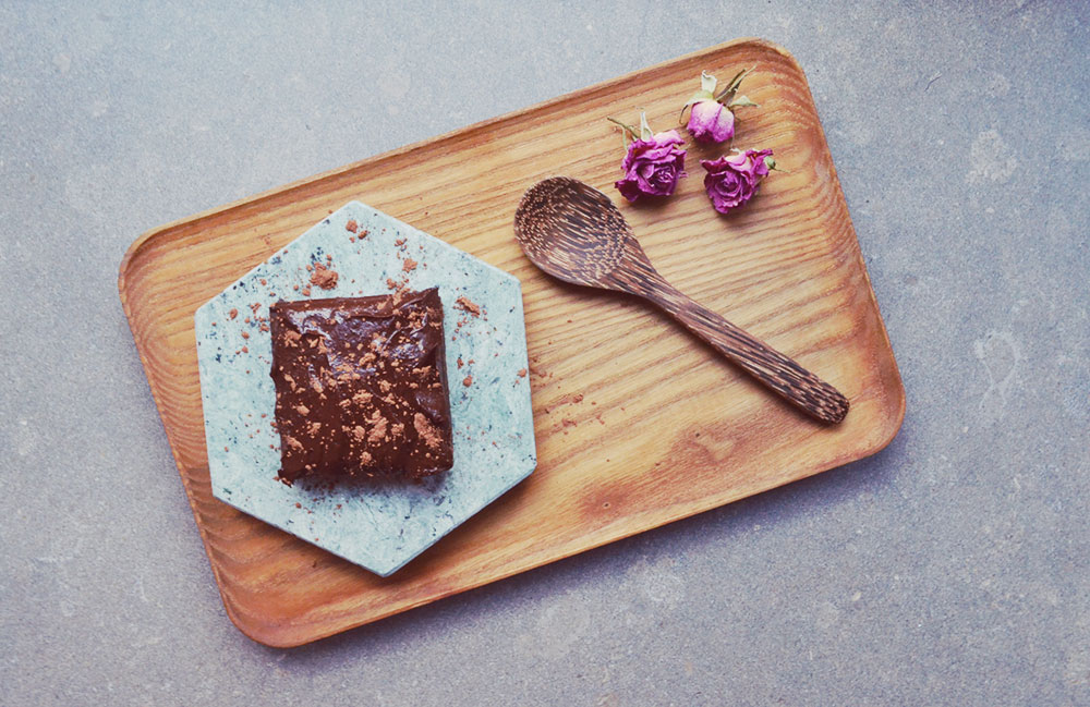 Healthy Black Bean Brownies // http://BananaBloom.com #brownies #healthy #glutenfree #egan #sugarfree #dairyfree #healthy #fitness #fatfree #plantpowered