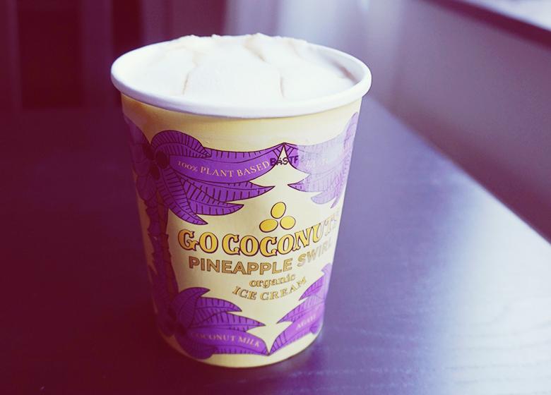 Go Coconuts Pinapple Swirl // http://BananaBloom.com #icecream #vegan #plantbased #pinapple #GoCoconuts