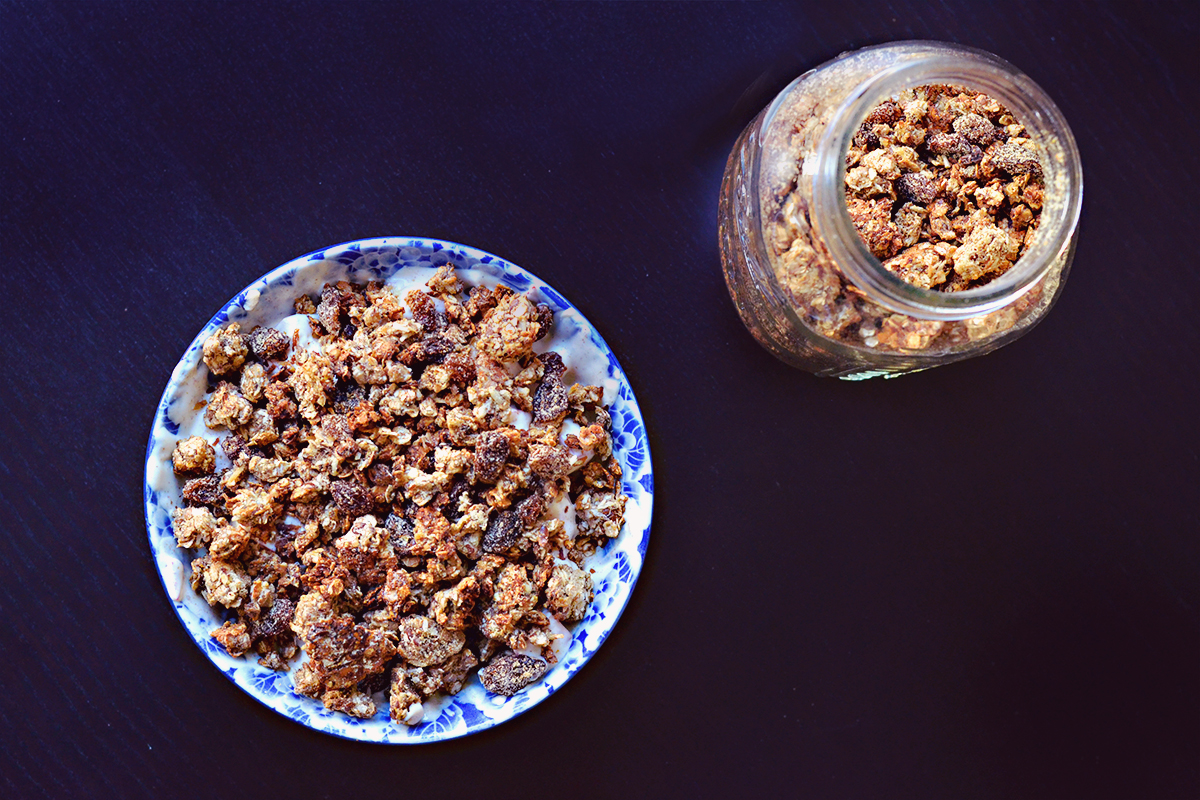 Banana Raisin Cluster Granola | http://BananaBloom.com